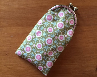 Glasses case with retro Green/Pink cotton and faux Pearl off-white leather clasp.