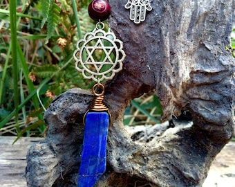 Lapis Lazuli and 4th chakra point necklace