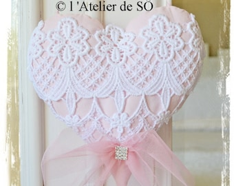 Beautiful shabby chic heart in white and rose 15