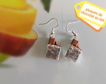 Plate bitten chocolate mounted hard earrings silver plated