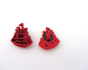 Lot of 2 small buttons red boat