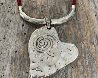 Collar, cork, trimmed with a wide pendant, heart, mother, Mother's Day