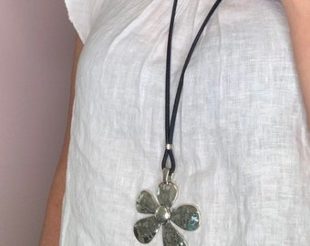 Long necklace, natural cork, black, ochre yellow, white, navy, trimmed with a large pendant, flower, daisy