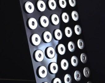 Presentoir Plexi Nouvelle Finition pour 40 Cabochons Pression 18mm