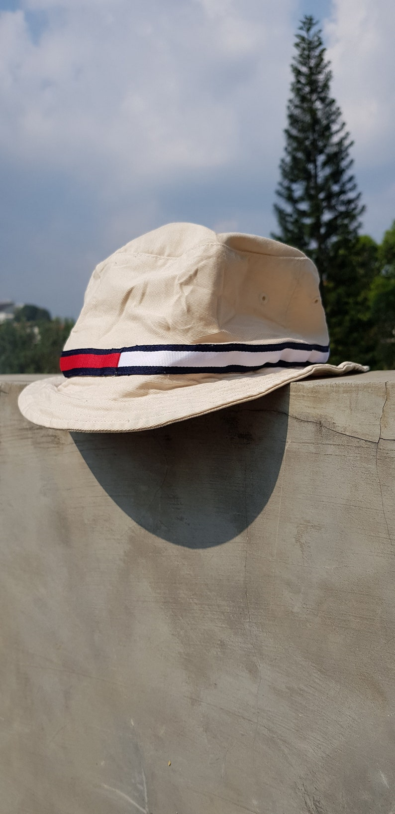 279bca4a89a Rare Vintage 90s TOMMY HILFIGER TOMMY Girl Bucket Hat   Tommy