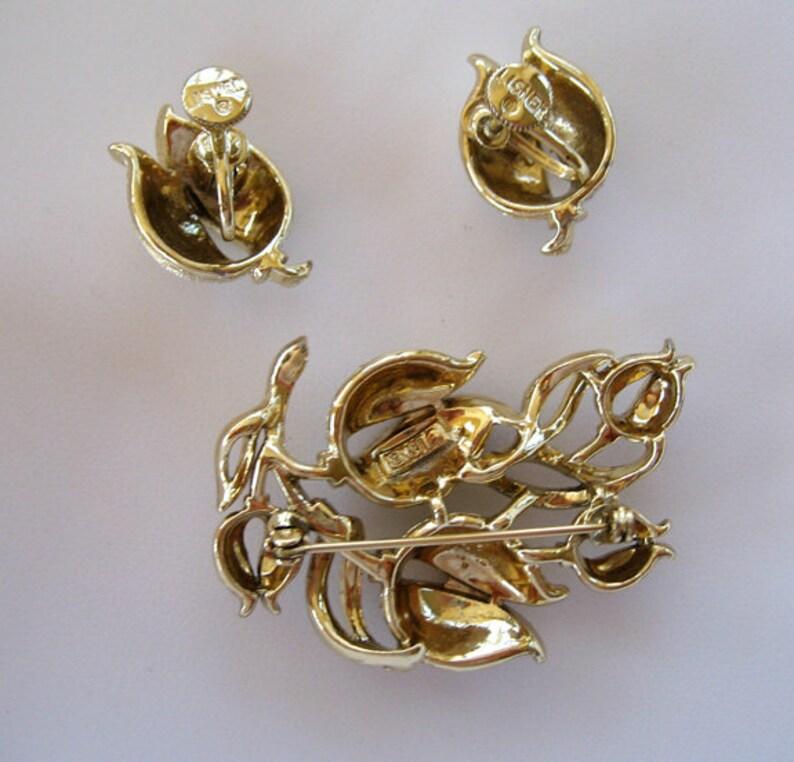 Lisner Gold Tone Tulip Tulip Demi-Parure BroochPin and Earrings