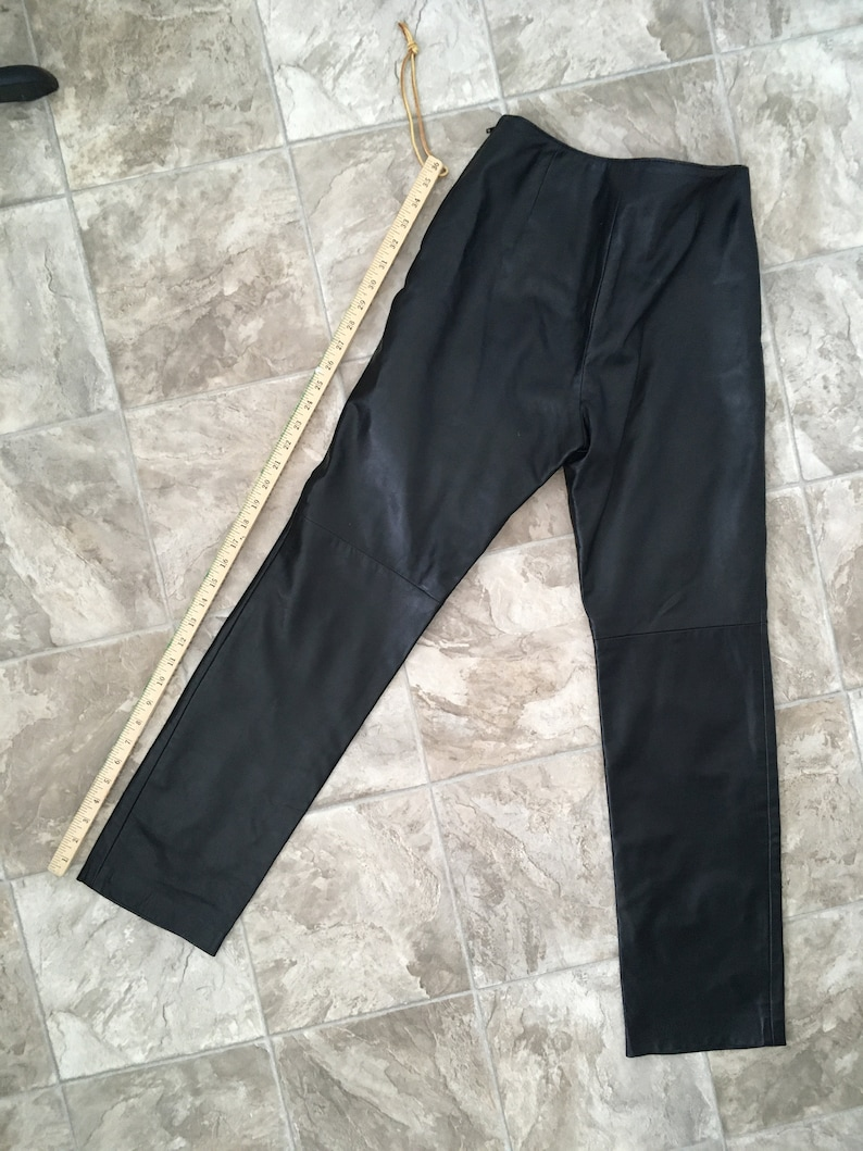 90s Black Leather Danier PantsRegular RiseHip HuggerStraight LegSide ZipperPetite-Regular Inseam6