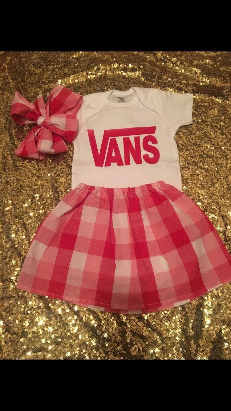 9120d139f16d Little Girls Vans Inspired Outfit