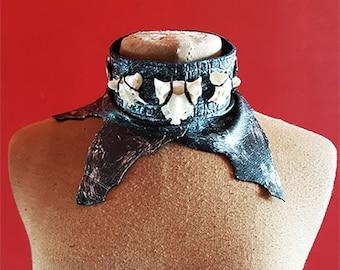 Leather neck piece with vertebra