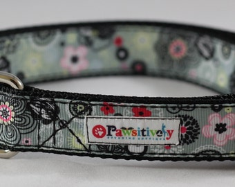 Dog Collar Gray with Pink Flowers