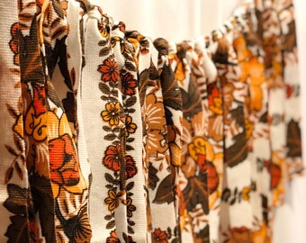 Vintage Fabric Garland// Vintage Fabric