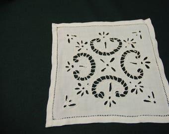 Doily embroidery Richelieu 19/19 cm