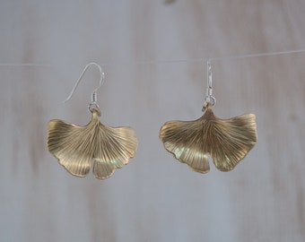 mothers day gift chunky gold earrings gold leaf earrings ginkgo leaf earrings spring earrings gingko earrings golden leaf earrings