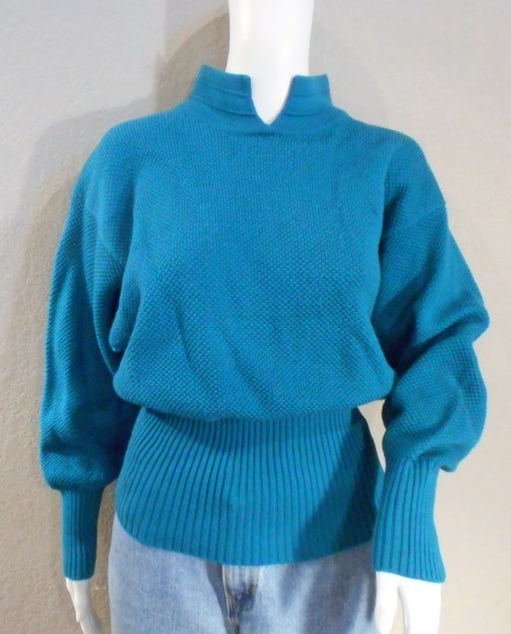 adb355ff20 Vintage Turquoise Tyrolla Wool and Acrylic Sweater Small