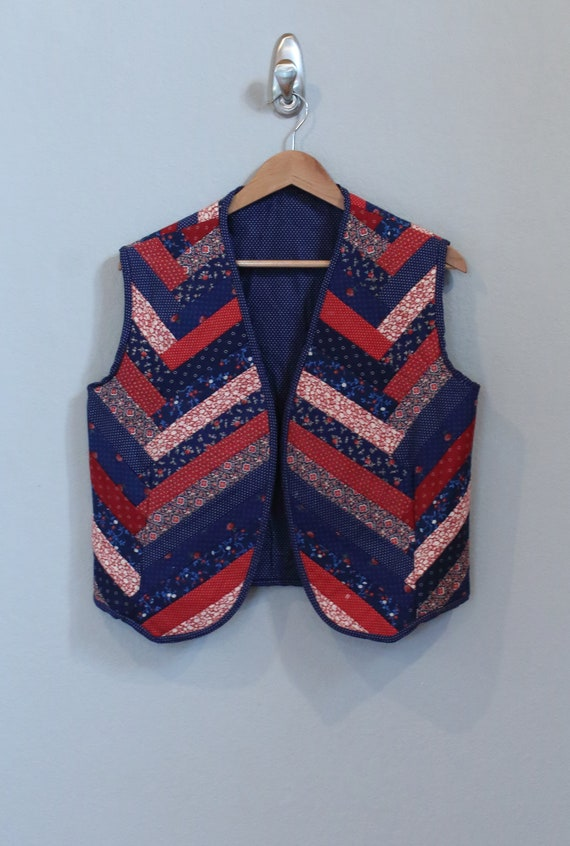 70's QUILTED VEST floral red white blue