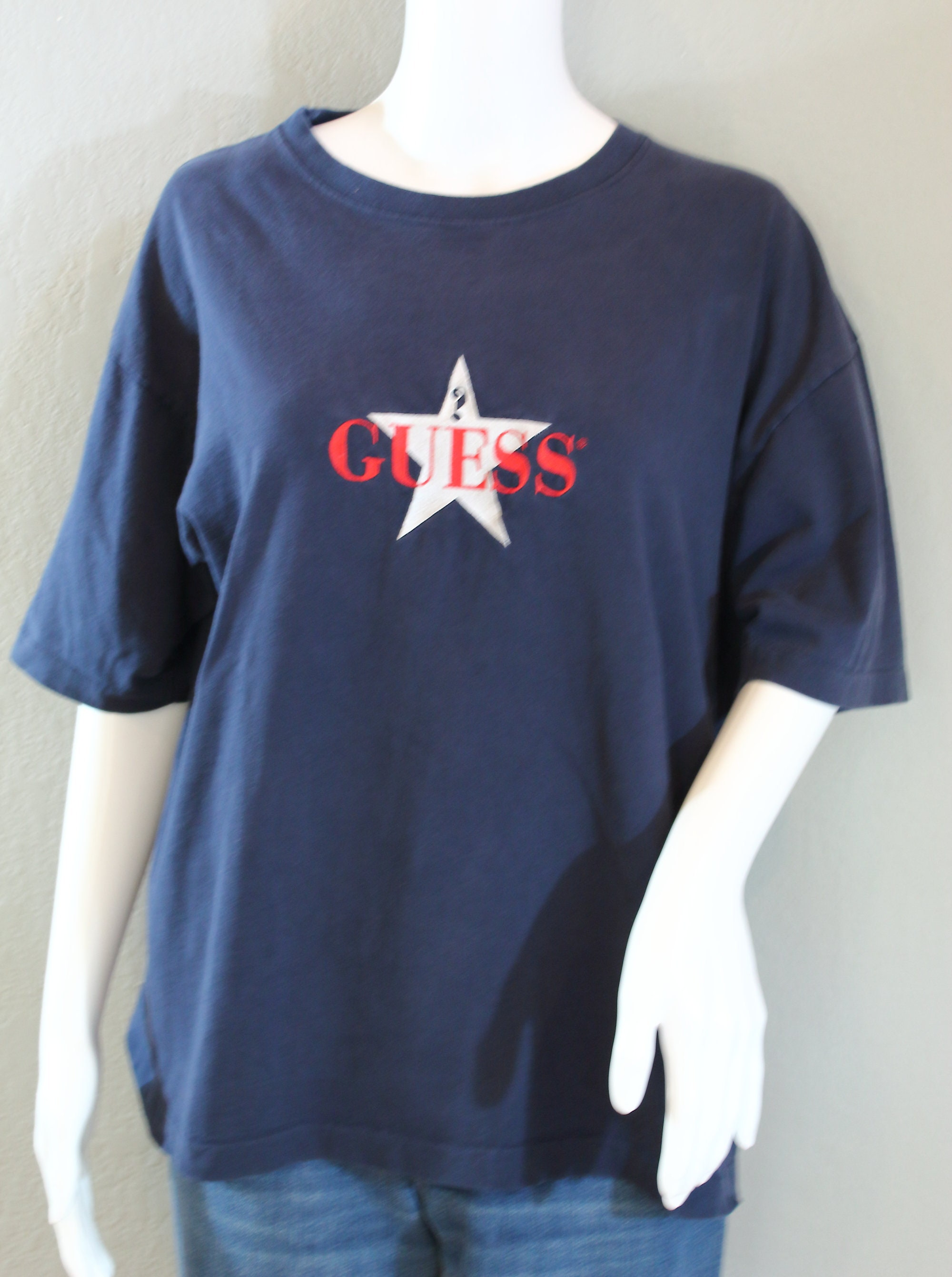 8c5c64be6f447b Vintage Guess T-Shirt
