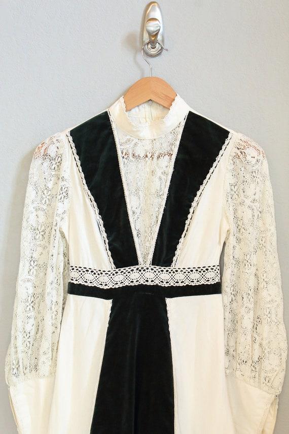 70s PRAIRIE DRESS/velvet, boho maxi dress, hippie… - image 9