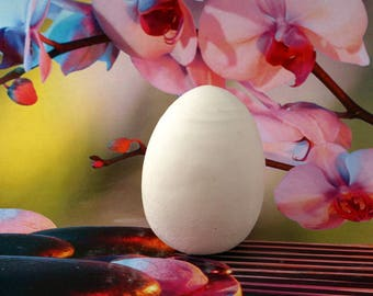 Egg plaster paint or decorate