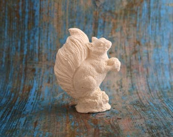 figurine squirrel with Acorn and fur detail