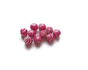 Round beads 8mm fuchsia spirals
