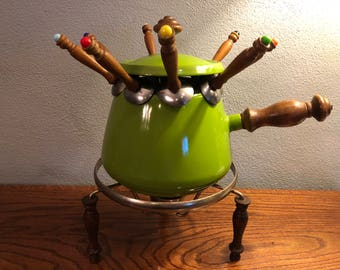 Green Fondue Pot With Rods/Dippers