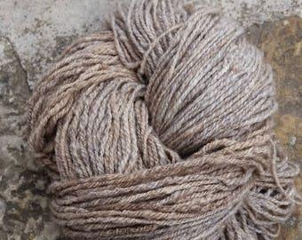 300 g Sologne hand spun wool