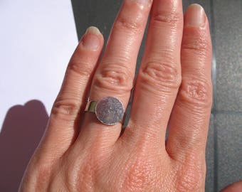 Brass lace edged raw brass ring