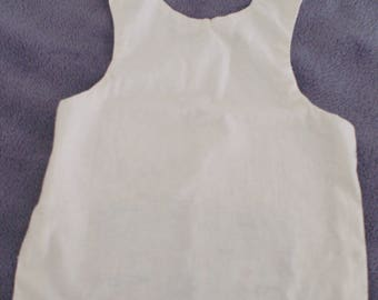Apron bib with built-in storage pouch