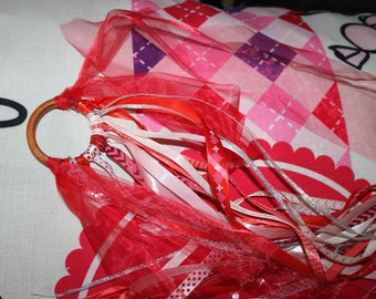 NEW - rings in red and white ribbons