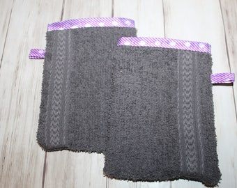 set of 2 Washcloths taupe border purple kids