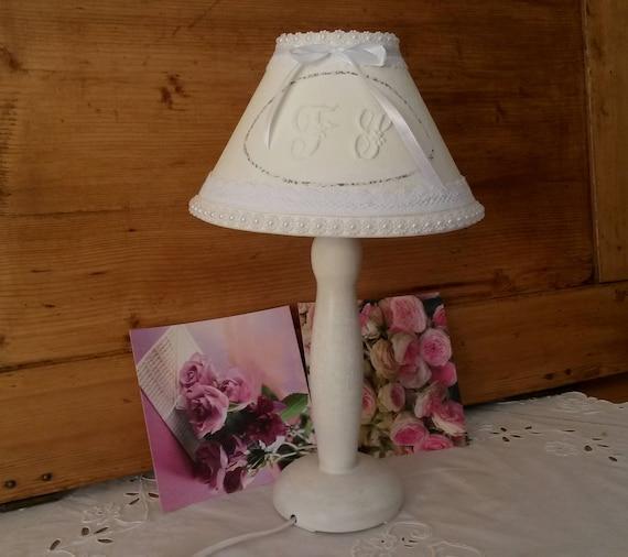 De Chic Romantique Ou Shabby Patinée D'appoint Et Lampe Chevet DH9WE2IY