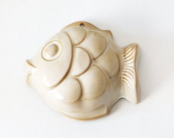 Vintage ceramic fish mold | baking or jelly mould