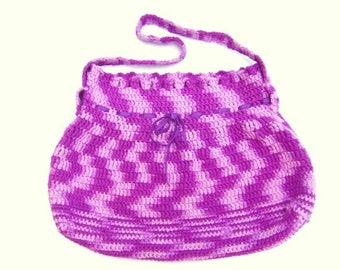 sac besace à porter sur l'épaule en fil de coton ou sac à main en laine réalisés à la main au crochet par moi même Fait Main