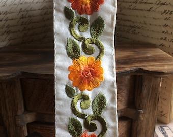 Braid Persian Garland orange & yellow satin embroidered Daisy white 4.5 cm