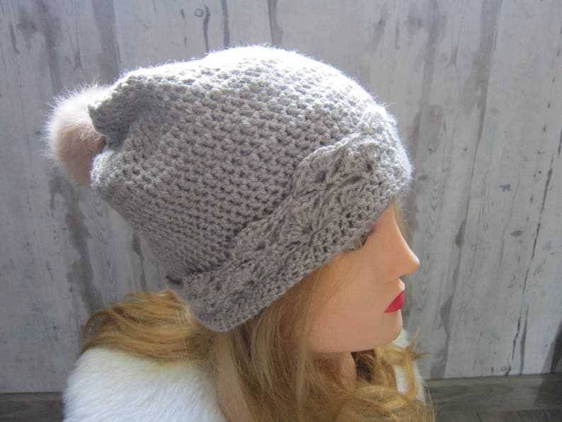 big pompom wool Crochet hat beige