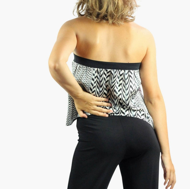 strapless silk top with geometric chevron print in black and white. Made in Italy