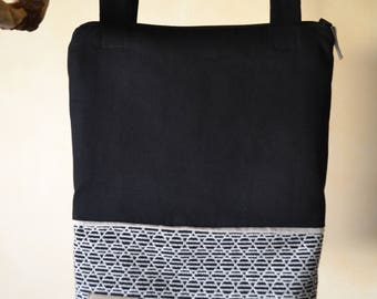 Bag Black and beige patterned triangles