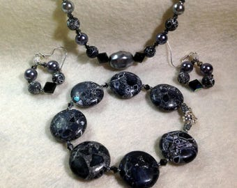 Black, Gray and White Matching Necklace, Bracelet and Earrings