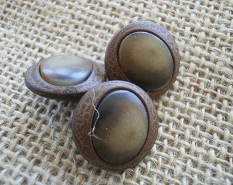 Set of 3 round buttons, plastic, Brown and beige colors, 20 mm