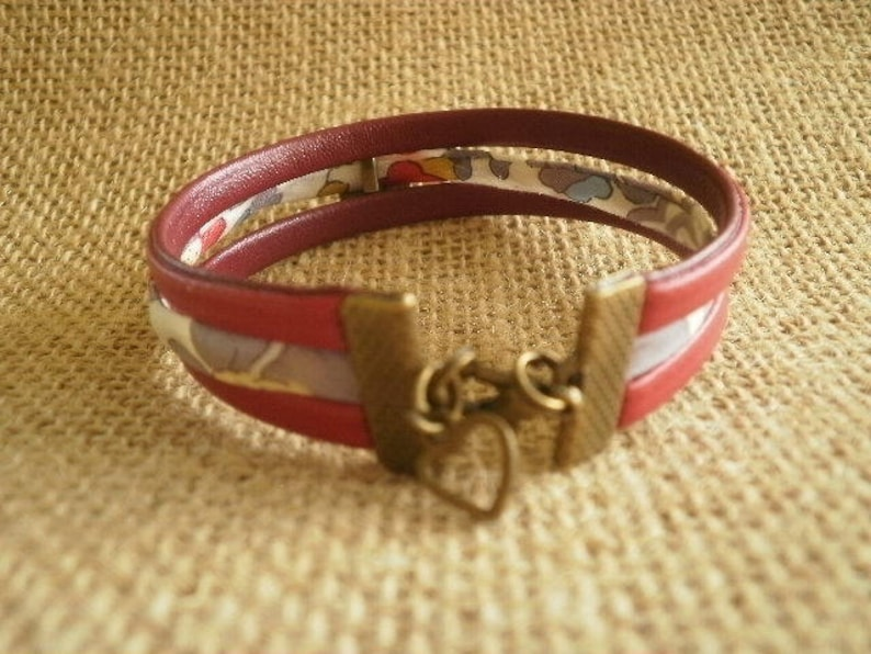 red and floral Milky Pearl Bracelet in faux leather and liberty cord size 19 cm