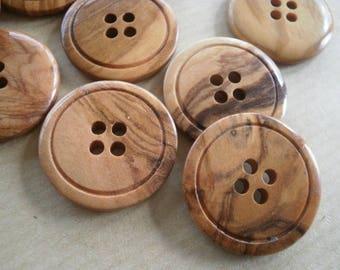 Set of 2 round wooden buttons, color light wood, varnished, 23 mm diameter