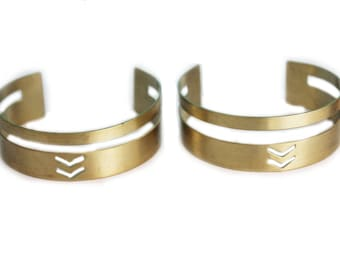 Adjustable brass bracelet