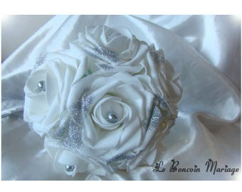 white roses bouquet, bridesmaid