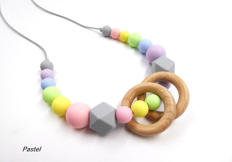 Fiddle necklace Necklace for mom Fiddle jewelry New mum necklace Silicone necklace with wood rings Silicone nursing necklace
