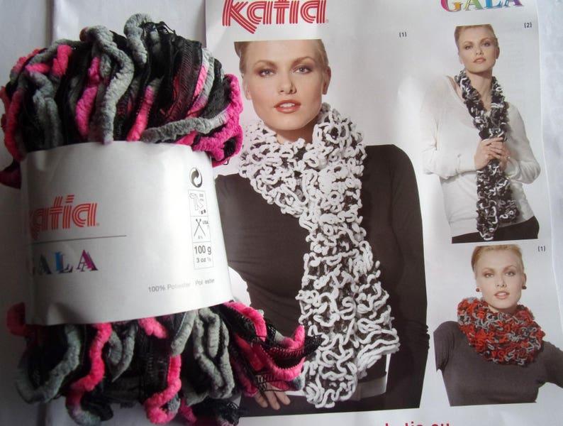 les ventes chaudes coût modéré répliques laine katia/ gala/ une pelote = 1 echarpe / camaïeu de / gris / fuchsia/  noir / ref. 50240
