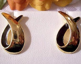 Black Swirl Loop Pierced Post Stud Earrings Gold Tone Vintage Avon Graduated Band Open Discs
