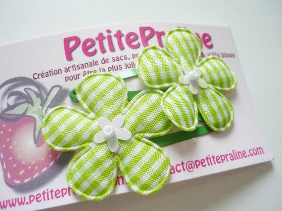 Barrettes petites fleurs vertes - pince clic clac fleur - pince fleur - barrette fleur coeur brillant