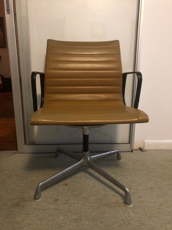 Vintage Chairs, Antique Chairs and Retro Chairs Auction | EBTH