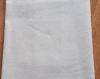 Aida cloth to embroider