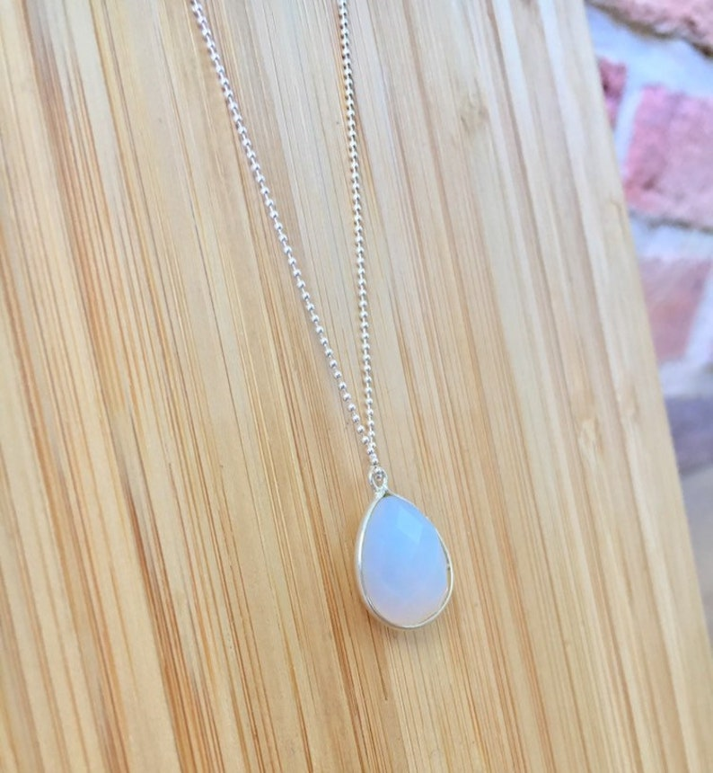 Silver necklace pendant moon stone drop set